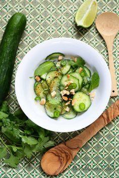 Salade de concombre thaïlandaise (crème de coco, gingembre, coriandre)