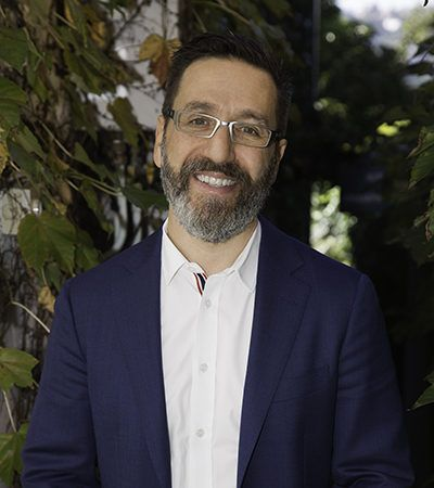 The Kind Tribe Q&A's   The Kind Tribe We're chatting with Dr Happy himself.  Positive Psychologist, happiness guru and wellness coach Dr Tim Sharp talks gratitude, habits and what he admires.