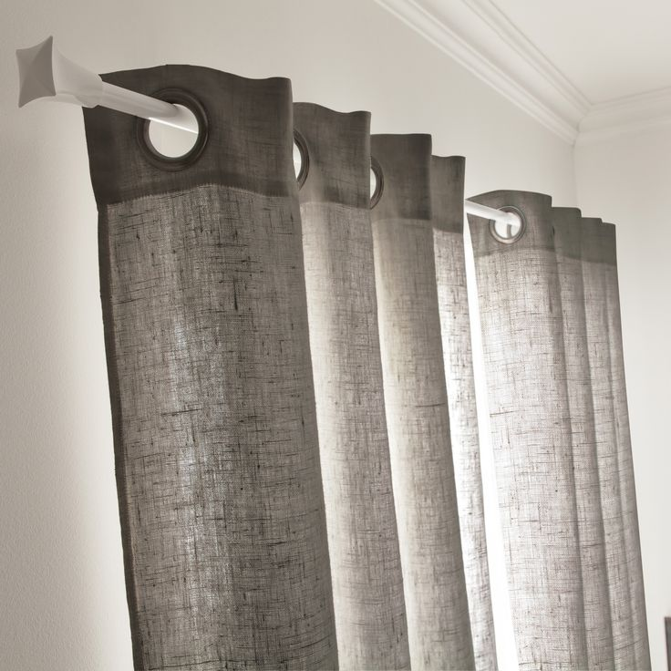 un rideau gris granit pour un style tendance dans la chambre ou le salon - Rideaux Gris Voilage De Quel Couleur