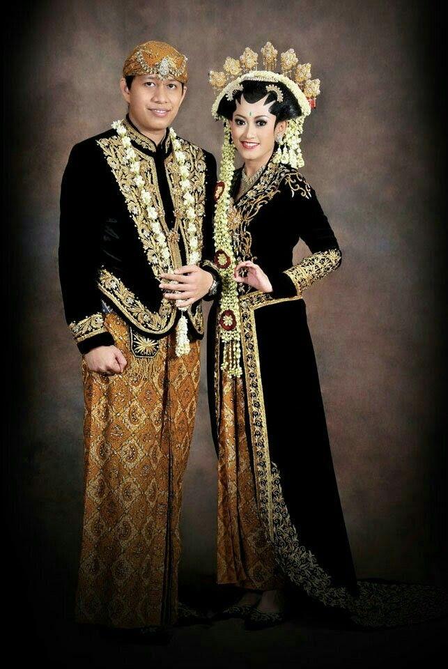 Baju pengantin adat jawa