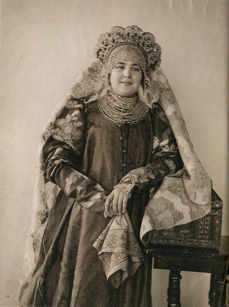 старинные женские наряды картинки водяные настенные