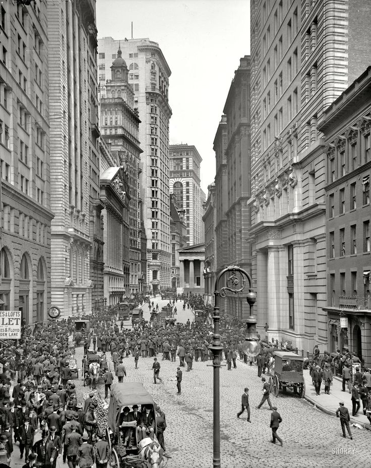 Street scene in Manhattan, circa 1910