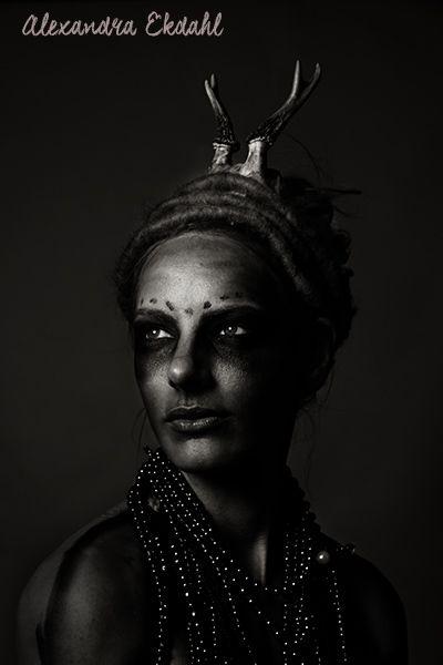 fotograf alexandra ekdahl stockholm sweden photographer art artist digital retush portrait model creative horror hallowen makeup 3
