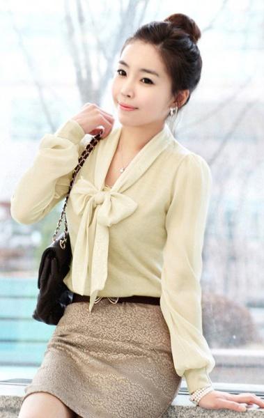 Lace Cotton Splicing Bowtie Collar Blouse Apricot
