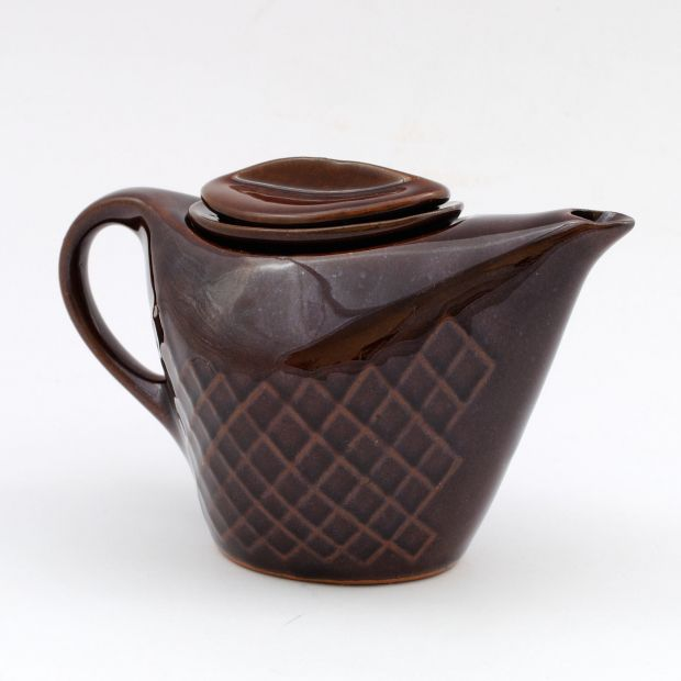 Imbryk Artur, Polska lata 60. | Artur jug, Poland, 60s. | buy on Patyna.pl #Artur #Kowalski #Tułowice #imbryk #jug #tea #brown #klasyk #classic #deisign #ceramics #vintage #retro #vintagelove #Polish #PRL #kitchen #inspiration