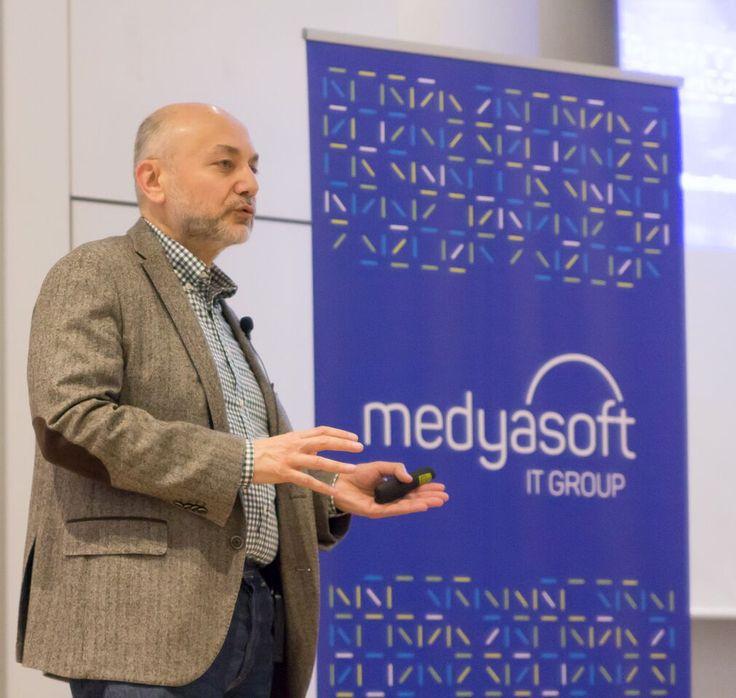 """Medyasoft 3 yıl önce başlattığı """"Girişimci İş Modeli"""" uygulamasının meyvelerini toplamaya başladı.                    11 Mart Cumartesi günü Kalamış Wyndham Hotel'de bir araya gelen Medyasoft ailesi 2017 Strateji toplantısını tamamladı. Medyasoft'un 3 yıl önce Türkiye'de bir ilk olarak hayata...   https://havari.co/girisimci-is-modeli-uygulamasi-meyvelerini-vermeye-basladi/"""