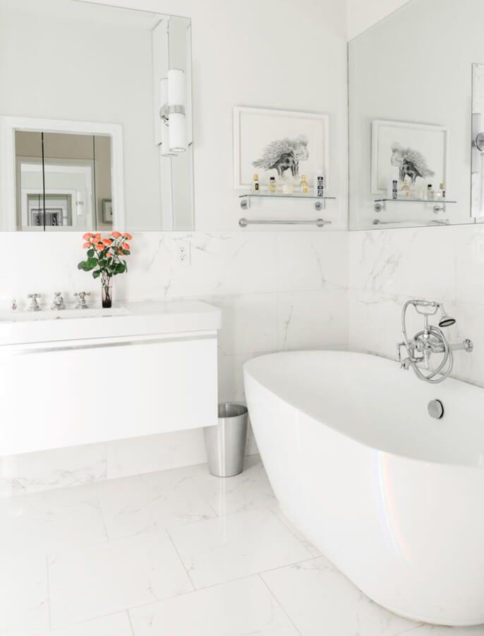 15 White Bathrooms Design Ideas Inspiration White Bathroom Designs White Marble Bathrooms White Bathroom Tiles