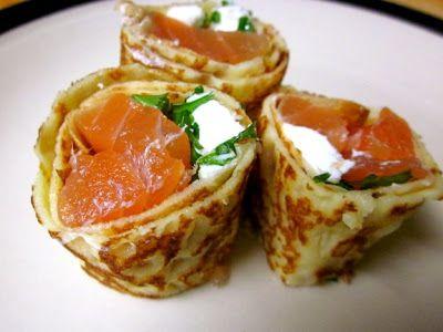 Невыразимая легкость кулинарного бытия...: Блины с семгой и сливочным сыром