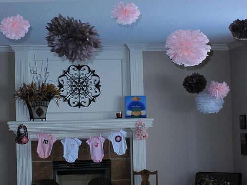 DIY  Homemade Baby Shower Decorations