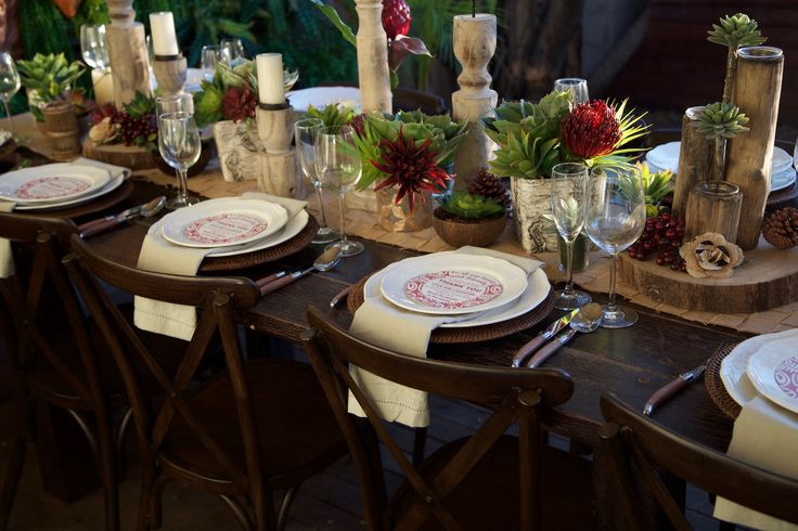 Rustic meets Polynesia/Tropical table setting