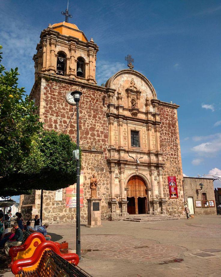 Templo de Santo Santiago Apostol, esta ubicado en el centro de la población, data del siglo XVII. #tequila #jalisco #mexico (en Tequila Jalisco Pueblo Mágico)