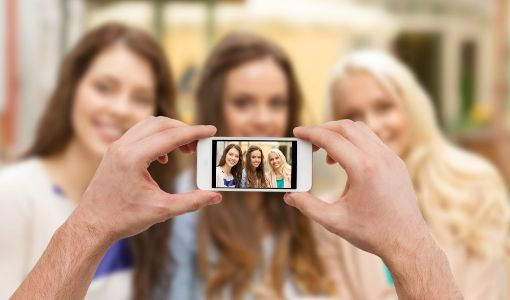 Our top picks for online photo storing service will free up your smartphone storage, keep your mobile photos safe and much more.