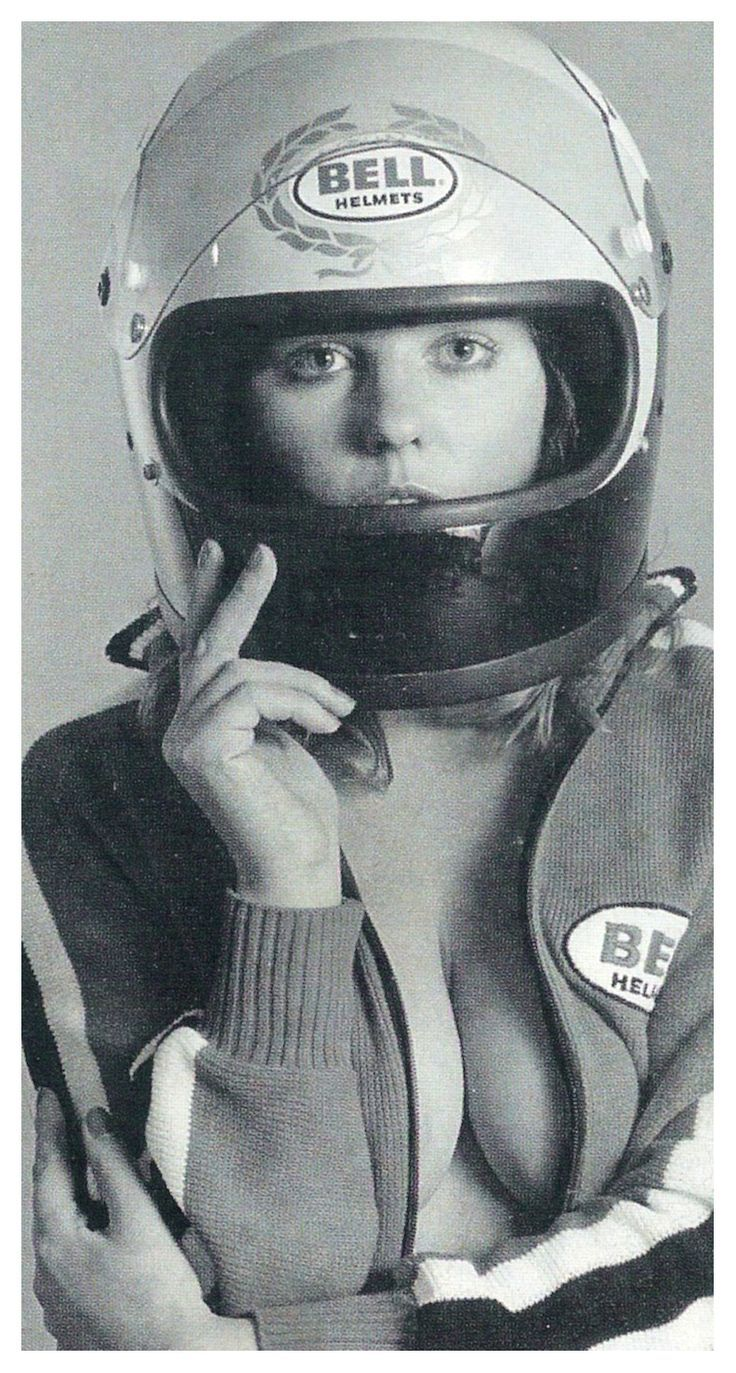 1000+ ideas about Women Riding Motorcycles on Pinterest ...