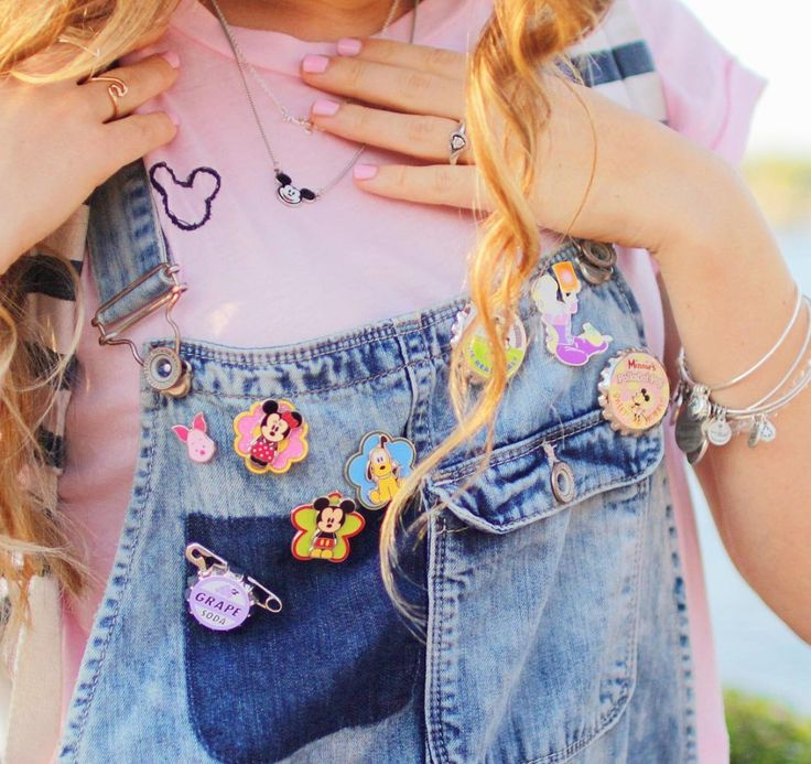 this is an awesome idea. if I end up wearing overalls, this would be super cute. my current plan is to wear them on a baseball cap though.