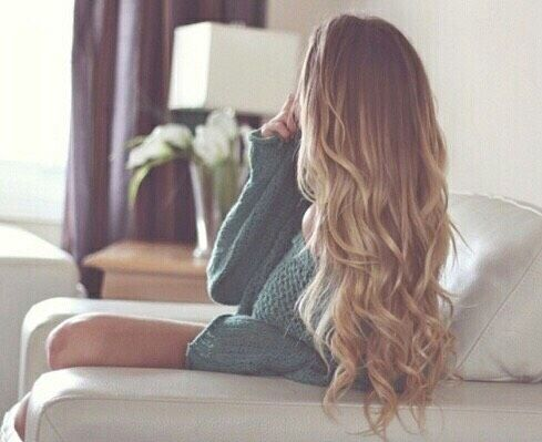 Finally, the Right Way to Curl Your Hair With a Straightener #Beauty #Trusper #Tip
