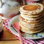 PANCAKE: Per 8 pancake: gr. 140 farina - gr. 18 stevia - ml. 200 circa acqua - 2 cc olio - un pizzico sale - un cc colmo lievito per dolci. PORZIONI WW per 8 pancake: 5 carb. chiari - 2 grassi. LEGGI LA RICETTA SUL WEB