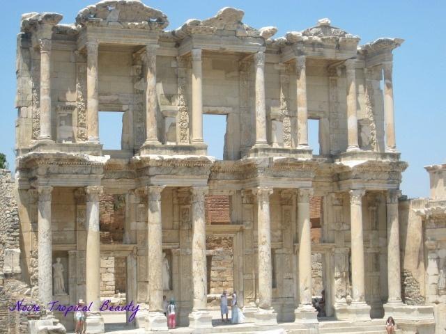 Ancient ruins at Ephesus, Izmir, #Turkey #travel