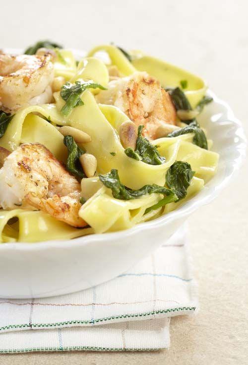 Tagliatelle met spinazie en scampi