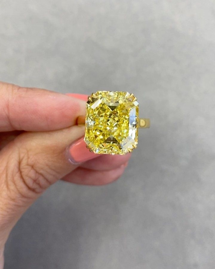2.58 CT Yellow Oval Shape Diamond For Engagement Ring