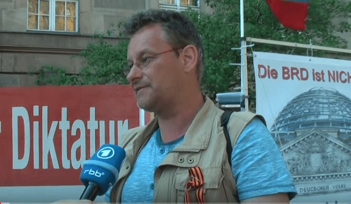 Rüdiger Klasen/Hofmann vor dem Amtsgericht Tiergarten 11. Mai 2016
