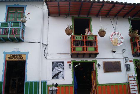 Balcones de la Calle Real, Salento  http://pertodomundo.com/tag/salento/