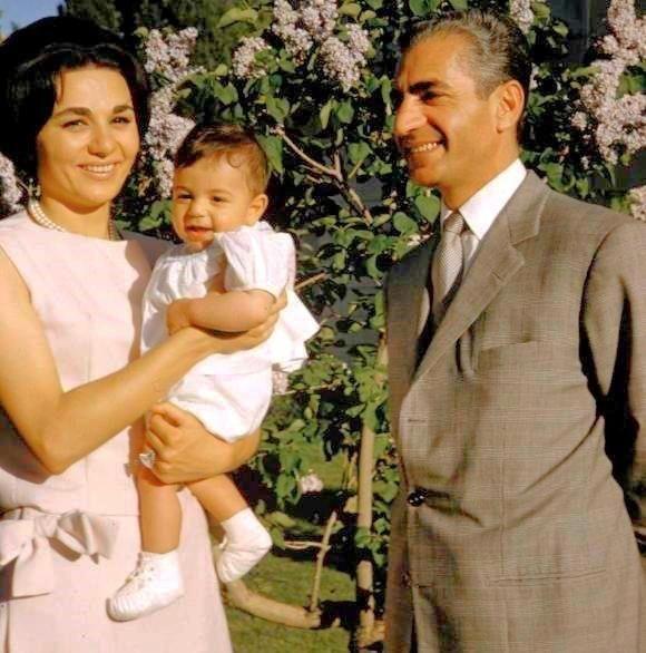 Royal Family Of Iran Farah Diba Iran Culture Farah