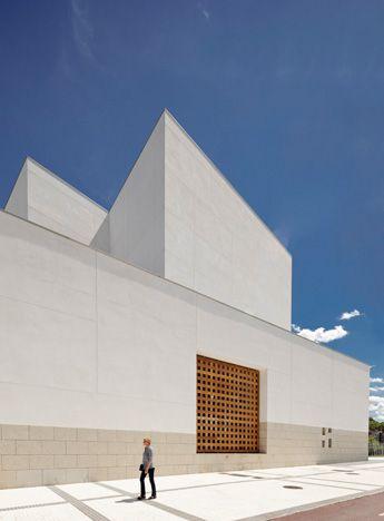 HIC *: Rafael Moneo   Jesu Church, San Sebastian