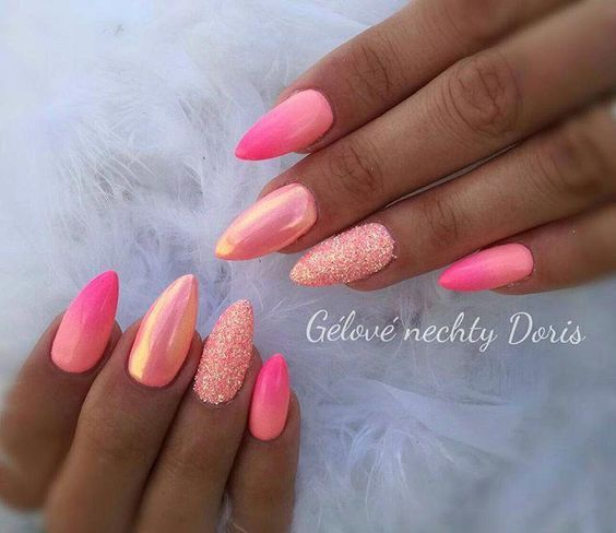 30 prachtige roze nagels met glitteraccent