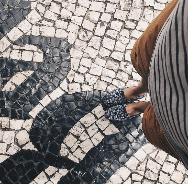 Passage incontournable.✌️ #lisboa #lisbon #pasteisdebelem #belem #fromwhereistand #portugal #food #foodlover #vsco #vscocam #instagood…