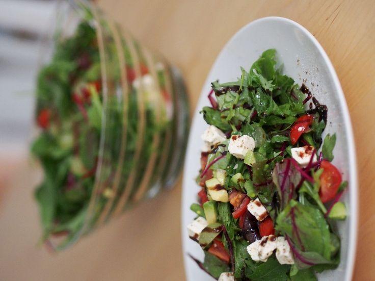 Ihana feta-avokado-salaatti - Pupulandia | Lily.fi