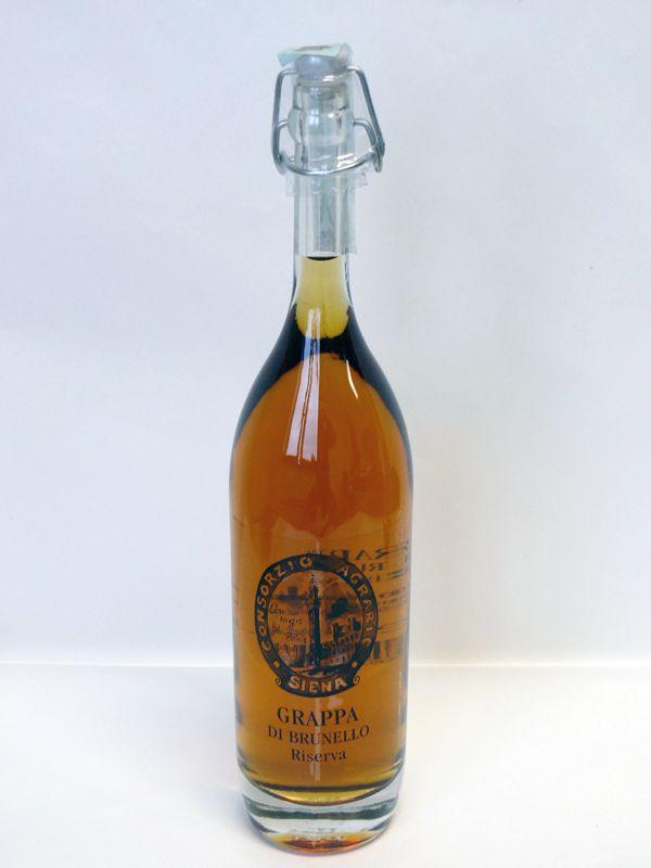 GRAPPA DI BRUNELLO RISERVA CL.50 CONSORZIO AGRARIO SIENA. Grappa ottenuta da una distillazione attenta ed accurata che ha permesso di esaltare tutti gli aromi del vitigno d'origine. L'invecchiamento in fusti di legno per 18 mesi, le fa acquisire, oltre al caratteristico colore ambrato, sapori ed aromi particolarmente equilibrati. http://owl.li/I6Yb307t3wo