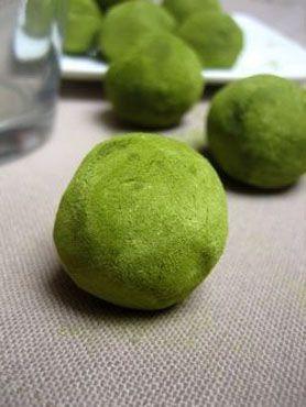 Truffes au chocolat blanc et au thé vert matcha - Recettes de cuisine Ôdélices