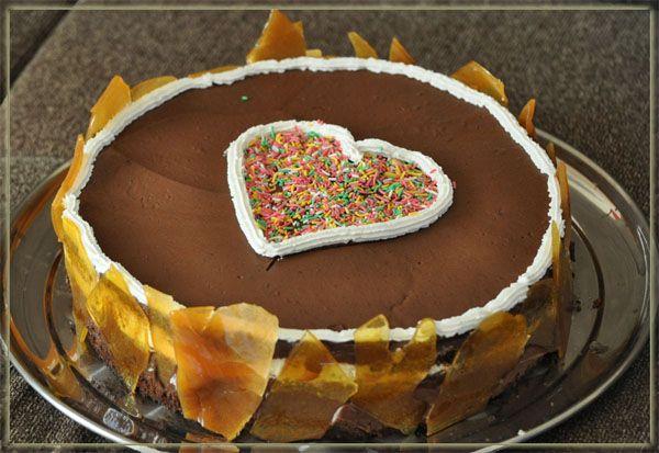 chocolate cake with bananas!