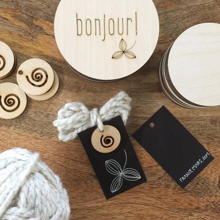 Baby Milestone Cards - Labels - Étiquettes - Pastilles jalons pour bébé   France Mars