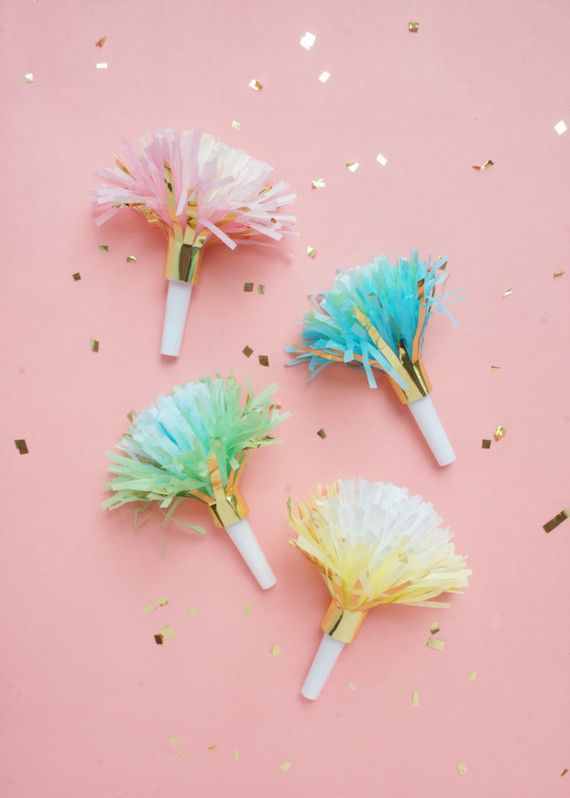 DIY: Fringed Party Horns
