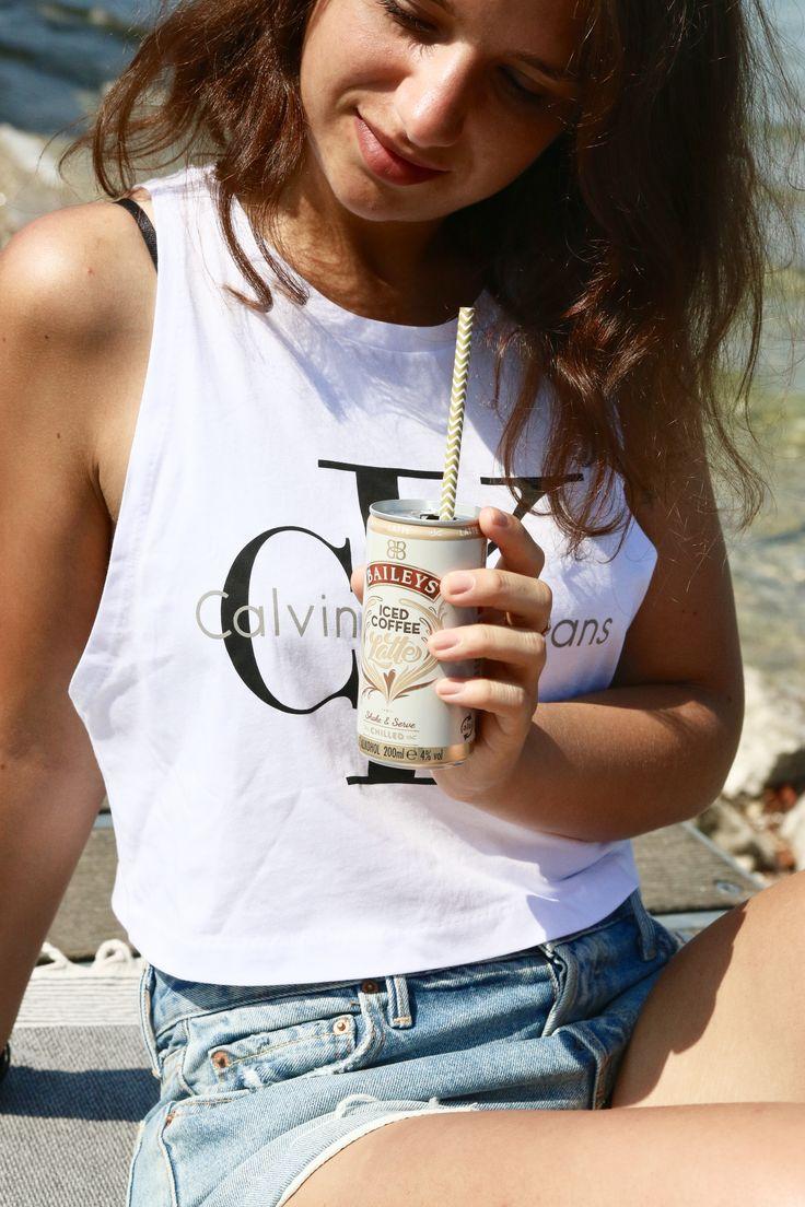 """Urlaub am Gardasee Shorts & Crop Top Sommer und """"Baileys Iced Latte"""""""