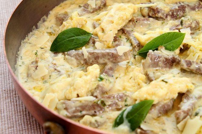 Lázár Chef sztárszakács a vadas marhaszegy galuskával receptjét mutatja be