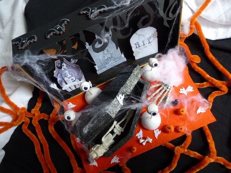 Spooky Halloween Diorama