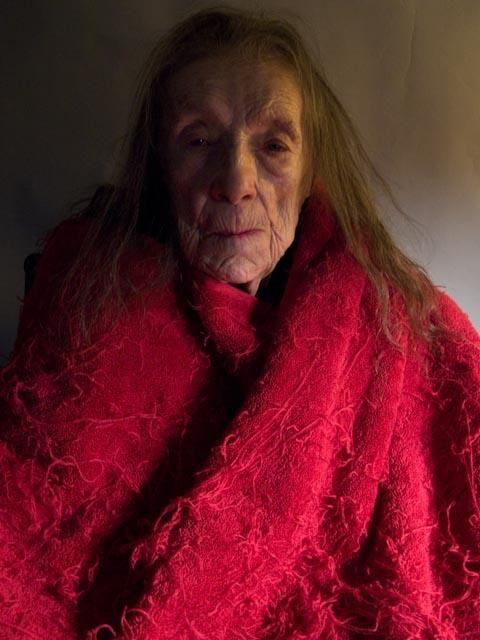 Louise Bourgeois in red shawl. Alex Van Gelder.
