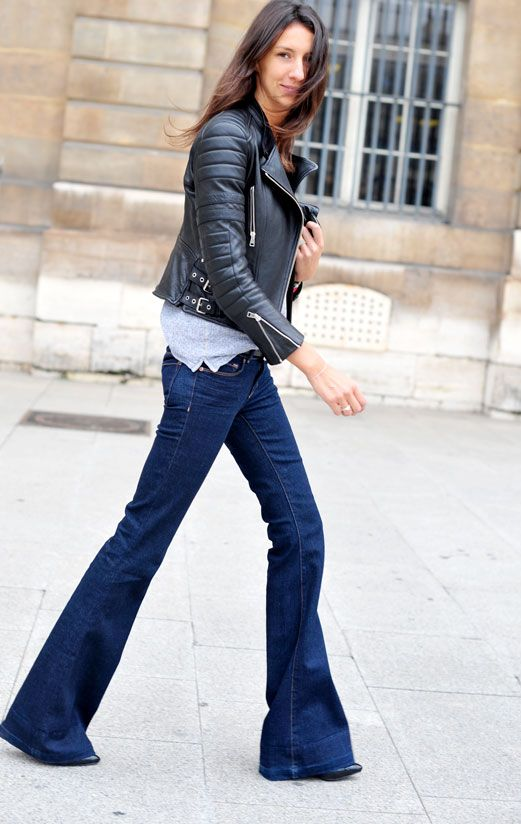 Flare Jeans Outfit Ideas - fall / winter - street chic style - black leather jacket + loose fit grey t-shirt + dark denim flare jeans + black stilettos