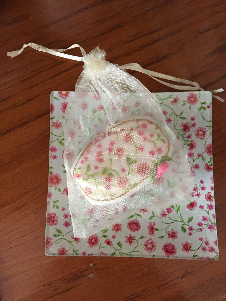 Florcitas: plato y jabón