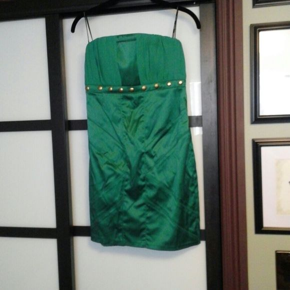 FLASH SALE!!! SHOWSTOPPER Sexy Green Dress! Strapless. Brand New! Stretchy. Super flattering! XOXO Dresses Mini