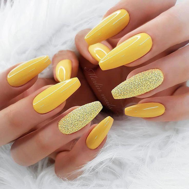 Stiletto-Nägel sind wild und mutig. Sie sind ovale Nägel, die mehr Poi sind …