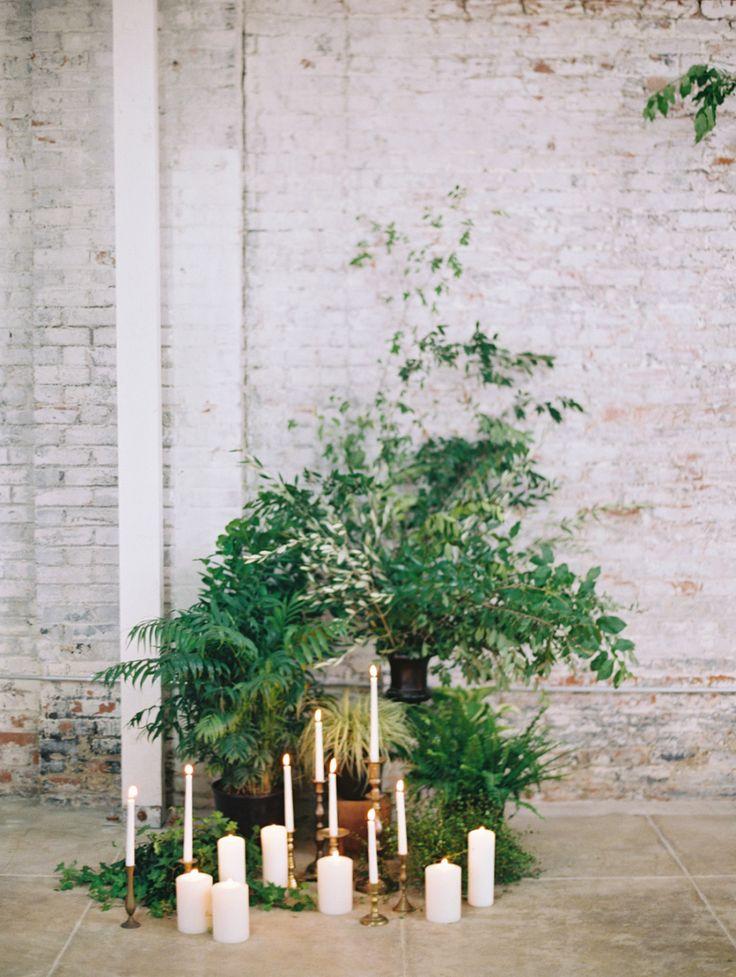 Photography : Diana McGregor   Venue : HNYPT LA Read More on SMP: http://www.stylemepretty.com/2015/08/13/black-tie-botanical-wedding-inspiration/