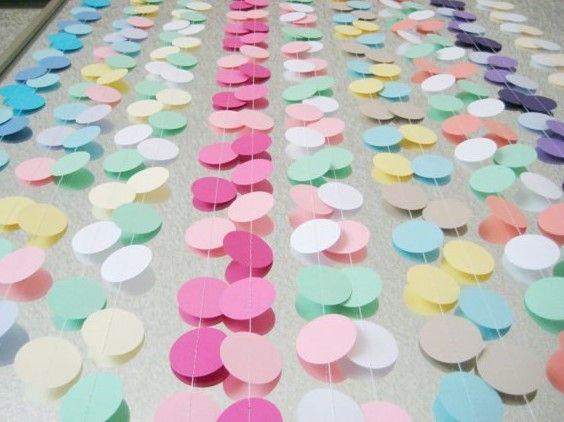 Гирлянды из бумаги для оформления свадьбы