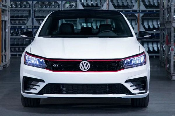 4 Years Standard Warranty Rsa And Rsc On Volkswagen Cars Volkswagen Volkswagen Passat Car Model