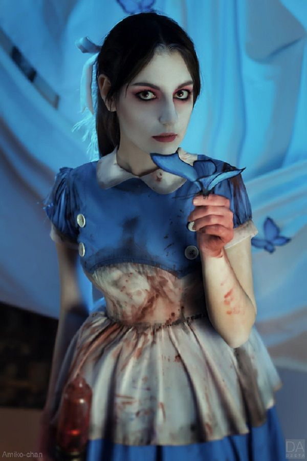 Are you glad this Bioshock cosplayer is not your little sister?