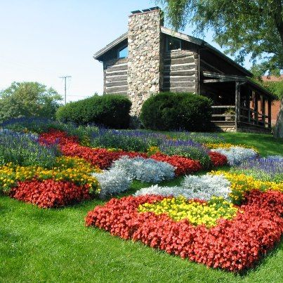 Old Bag Factory Gardens in Goshen, Indiana. Join us! Quilt Gardens and Quilt Shops for die-hard quilters during the Shipshewana Quilt Festival June 23 - 28, 2014...