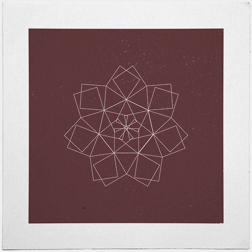 #337 Dragon star – It's advent sunday! About time we get some stars in here, right? – A new minimal geometric composition each day