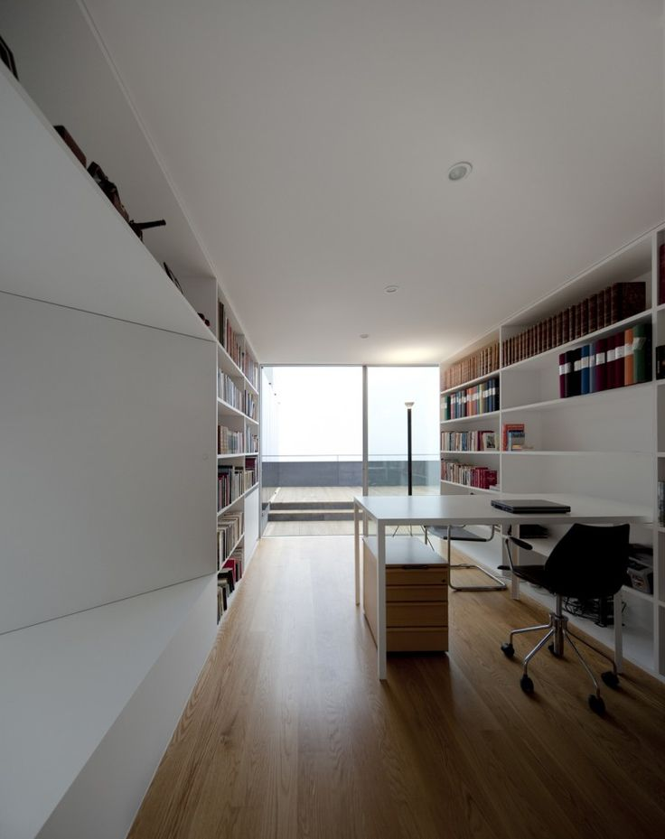 Clean, bright and functional - Warborn Apartment by Caiano Morgado Arquitectos Associados